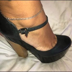 BCBGeneration Shoes - BCBG platform heel